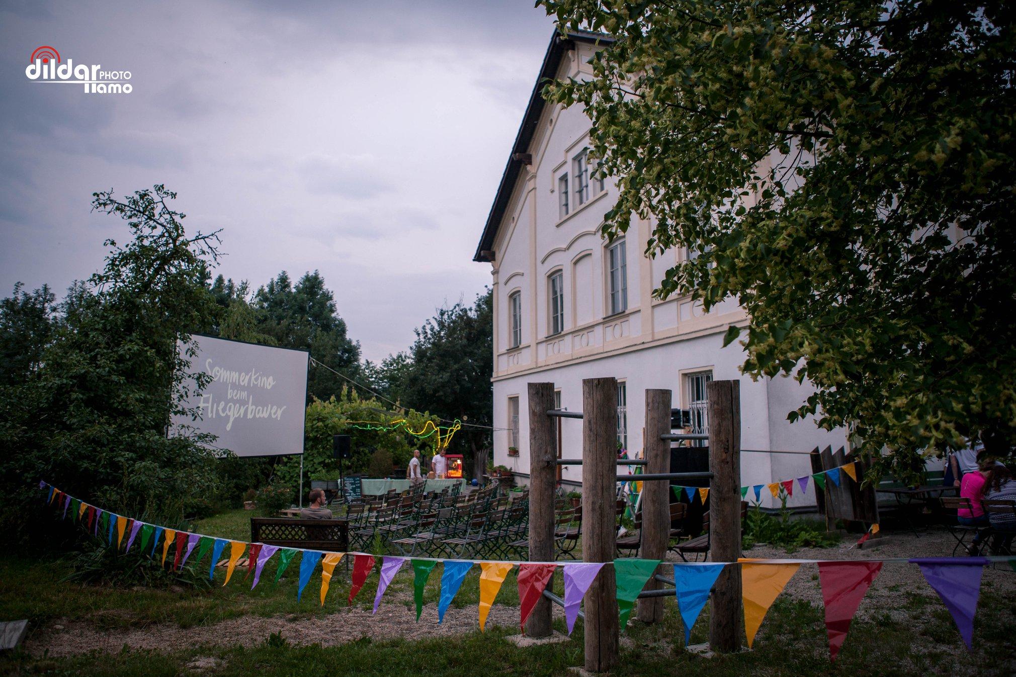 Das Sommerkino beim Fliegerbauer: Ein Programm für Genießer